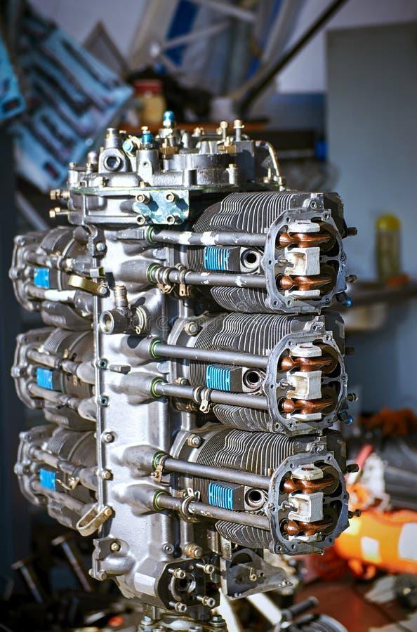 Tiro refrigerar de ar do motor do pugilista do seis-cilindro da aviação para o reparo imagens de stock royalty free