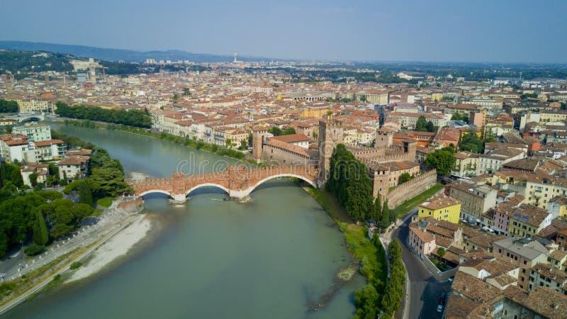 Tiro video aéreo com o zangão de Verona imagem de stock