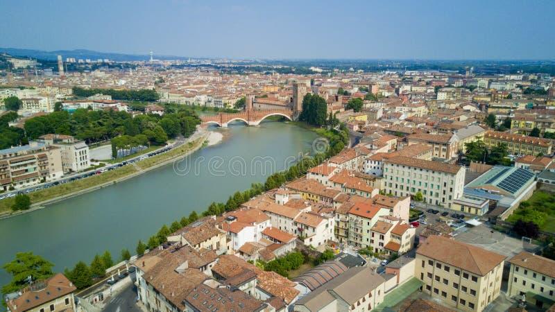 Tiro video aéreo com o zangão de Verona imagem de stock royalty free