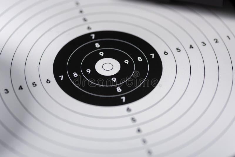 Tiros, escudos y cartuchos - posición del tiroteo respecto al deporte s fotos de archivo libres de regalías