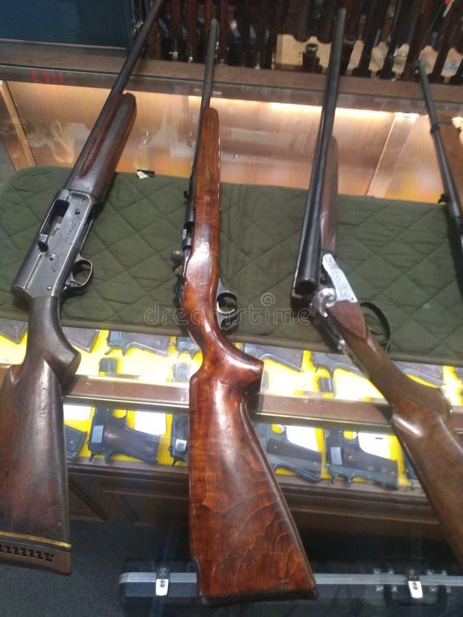 1,2,3 tiros sus armas hacia fuera antiguos fotos de archivo libres de regalías