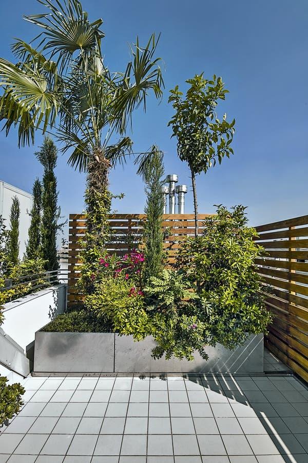 Tirs d'extérieurs d'une terrasse moderne images stock