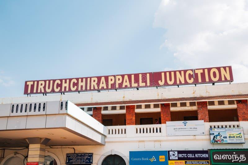 Tiruchchirappalli föreningspunktjärnvägsstation i Tiruchirapalli, Indien arkivbilder