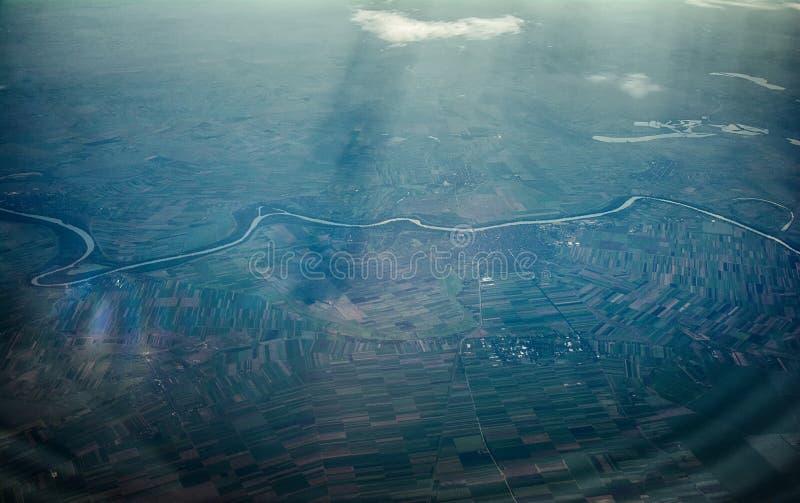 Tisa River in Serbien wird von der Fläche gesehen lizenzfreie stockbilder