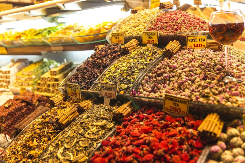 Tisana no bazar grande Istambul Turquia imagens de stock royalty free