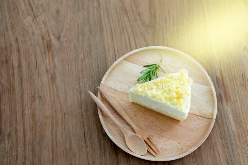 Tischbesteck-Gabellöffel Scheibe des Käsekuchens hölzerner lizenzfreies stockfoto
