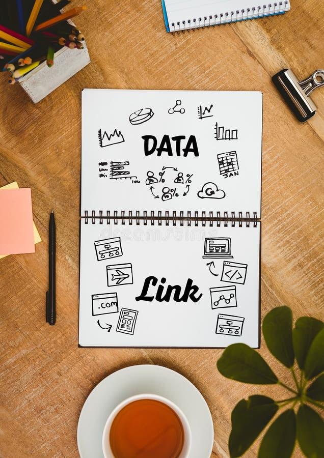 Tischplatte mit einem Notizbuch mit Netzgraphiken lizenzfreie abbildung