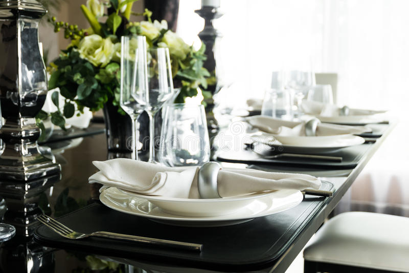 Tischschmuck für Mahlzeitzeit lizenzfreies stockfoto