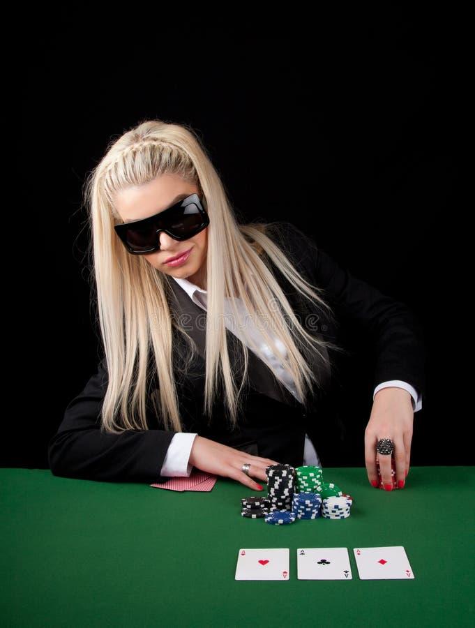 Tisonnier de jeu blond sexy photo libre de droits