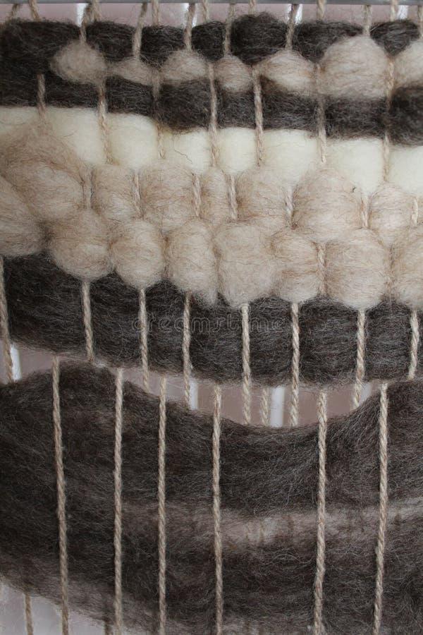 Tissage de métier à tisser de laine photo stock