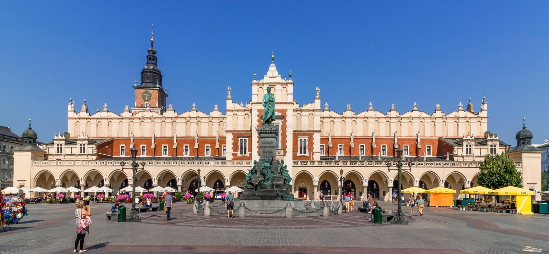 Tissu Hall (Sukiennice) - place principale de Cracovie, Pologne du marché image stock