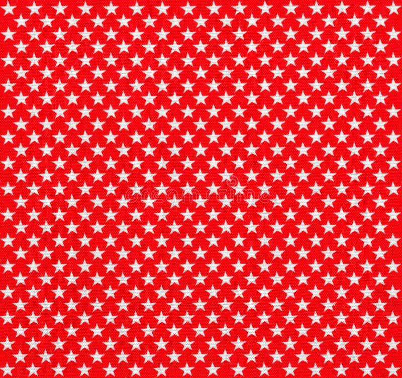 Tissu rouge avec les étoiles blanches images libres de droits