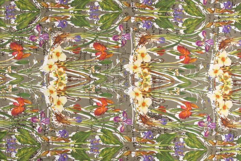 Tissus bariolés colorés images libres de droits