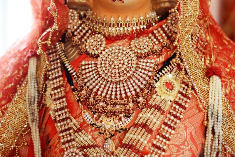 Tissus indiens colorés images stock