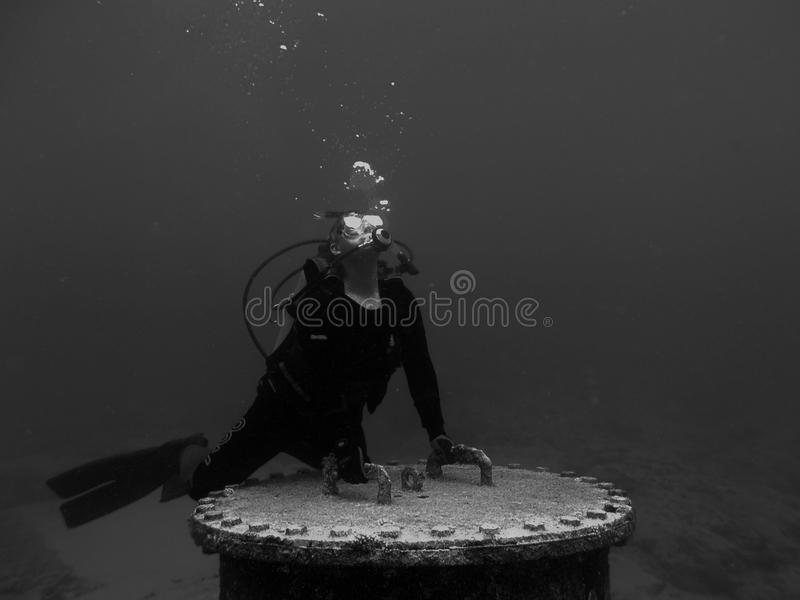 Titan tirant vers le haut la mer photos libres de droits