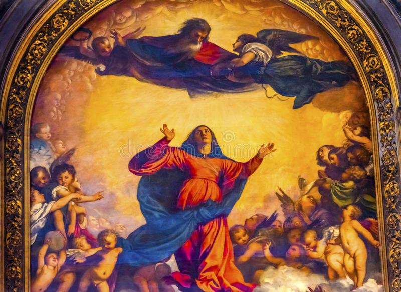 Titian antagandeMary Painting Santa Maria Frari kyrka Venedig Italien royaltyfria foton