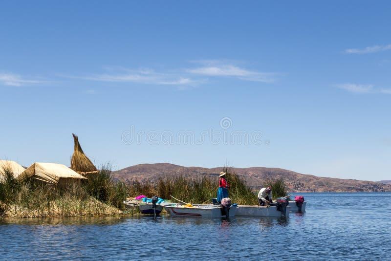 Titicaca湖的Uros Titino浮动海岛 免版税库存照片