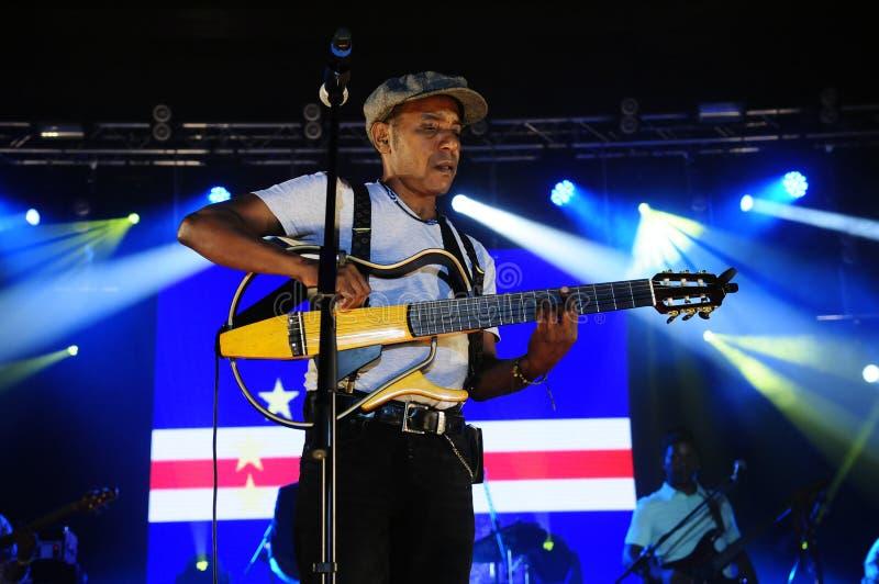 Tito Paris Concert, etapa del fondo de la bandera de Cabo Verde imagen de archivo