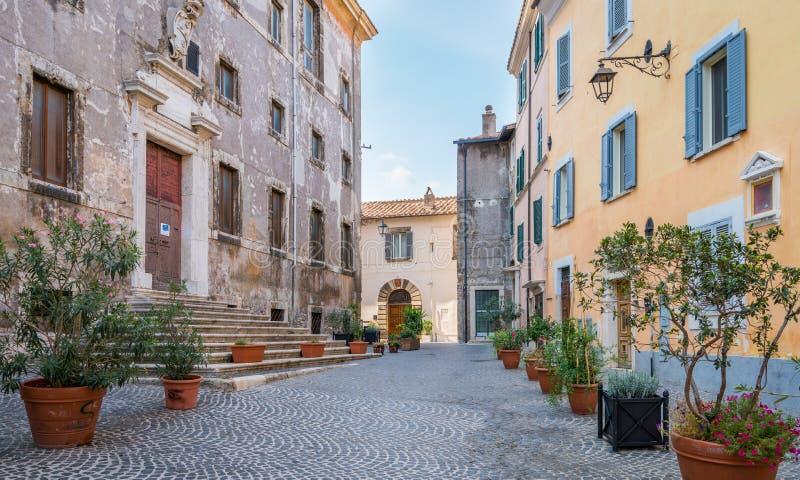 Tivoli dans un matin d'été, province de Rome, Latium, Italie centrale images stock