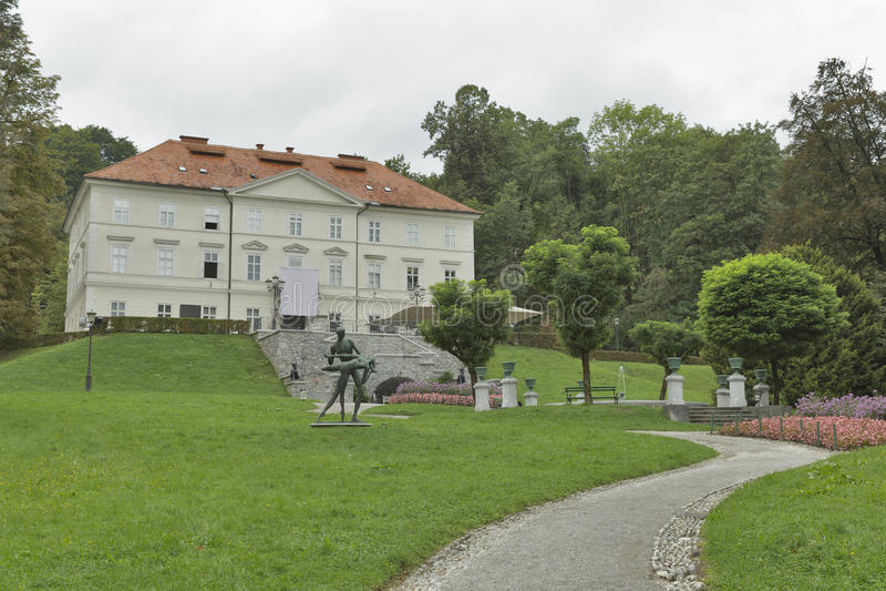Tivoli slott i Ljubljana, Slovenien arkivbild