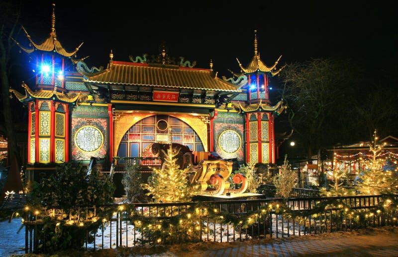 Tivoli trädgård, asiatisk slott på natten fotografering för bildbyråer