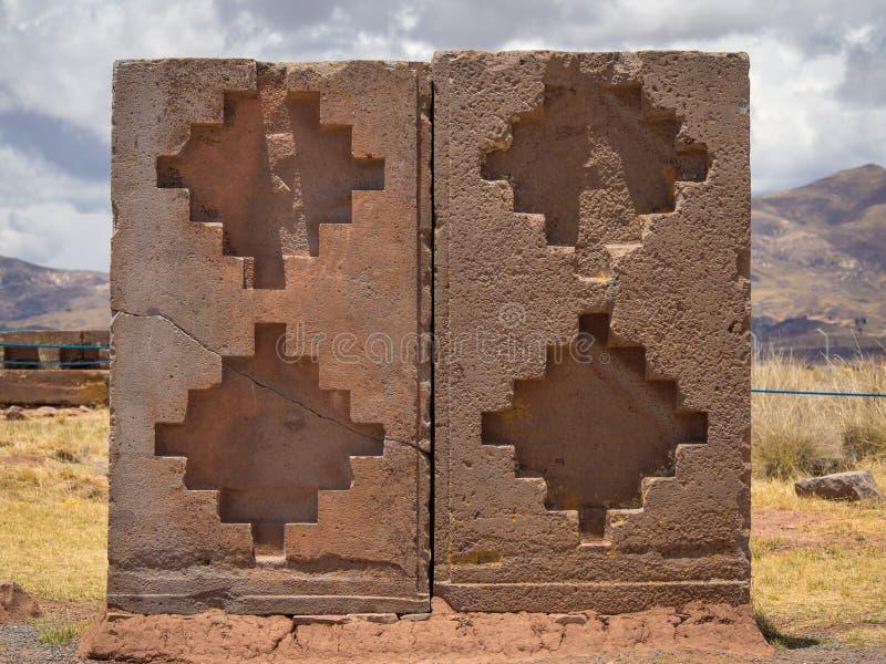 Tiwanaku Tiahuanaco, Pre-Columbian arkeologisk plats, Bolivia, Chacana royaltyfria bilder