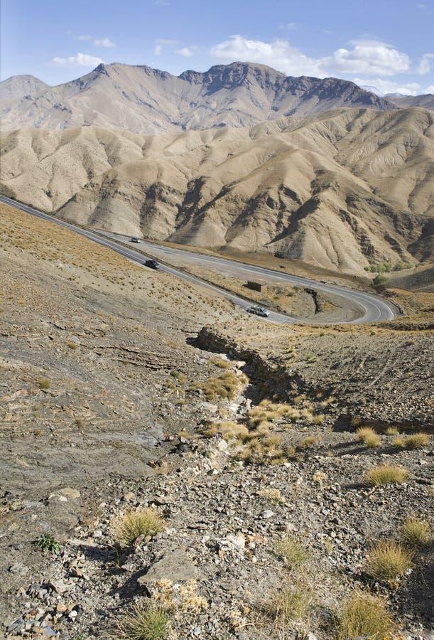 Tizi-n-tichka courbe la route, Maroc photo libre de droits