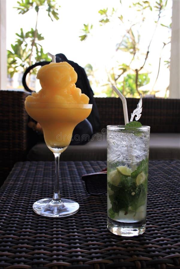 Tjänade som Beautifully mat i en utländsk trevlig semesterort arkivbild