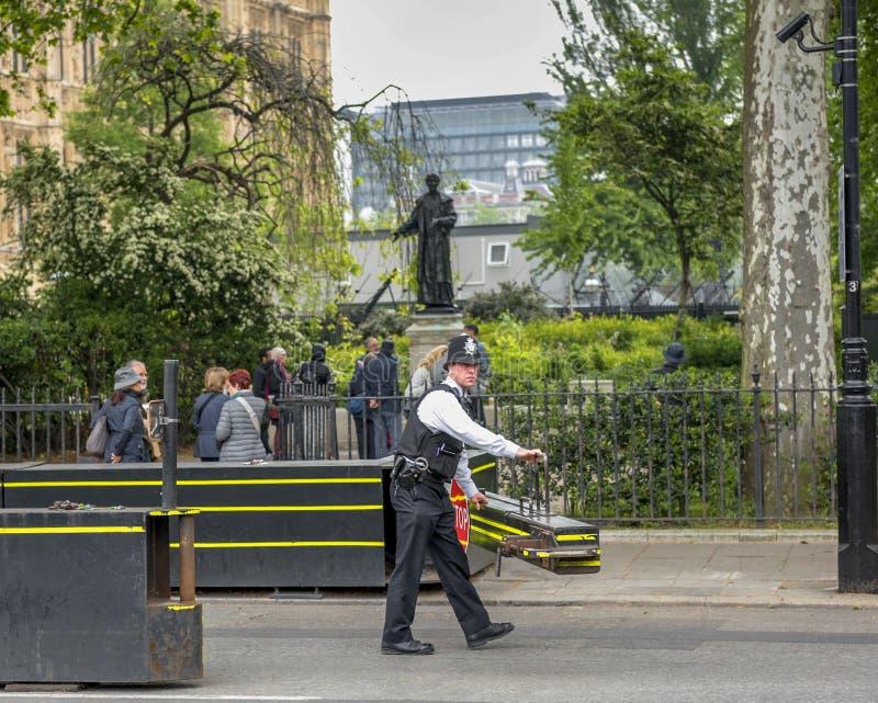 Tjänstgörande polis royaltyfria bilder