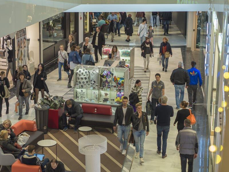 Tjeckien Prague, Chodov shoppingmitt, November 12, 201 arkivfoton