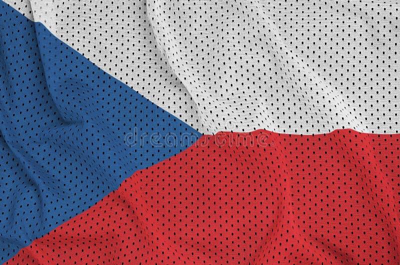 Tjeckienflagga som skrivs ut på ett ingrepp för polyesternylonsportswear arkivfoton