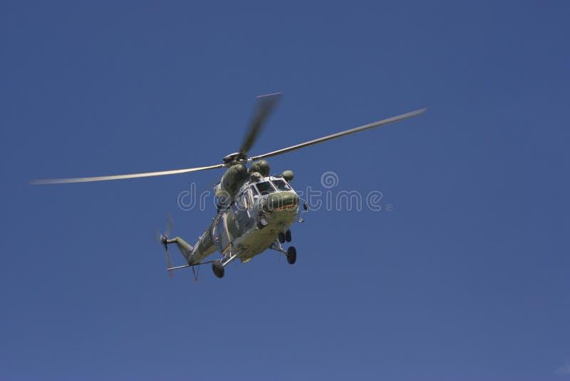Tjeckisk helikopter som kan användas till mycket för flygvapen W-3A SOKOL royaltyfri fotografi