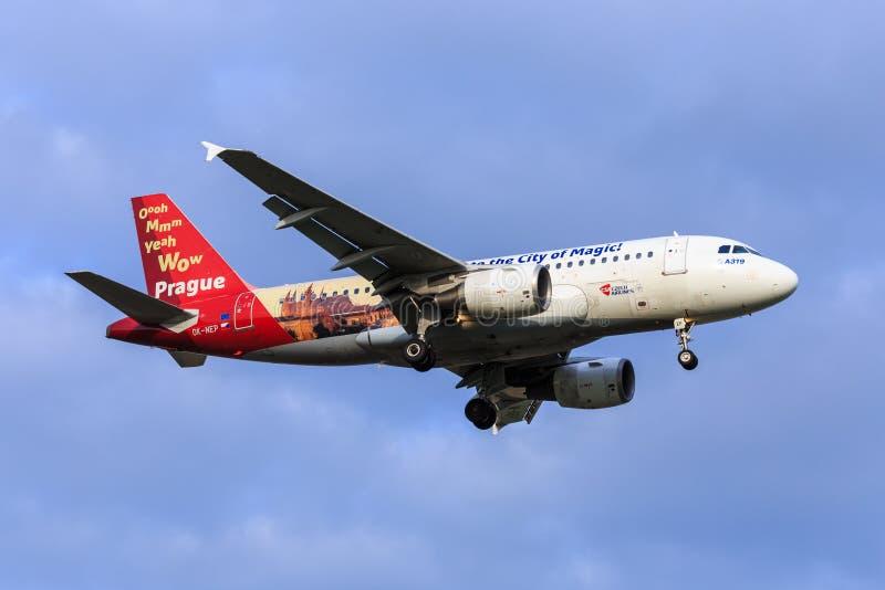 Tjeckisk livré för sakkunnig för flygbolagflygbuss A319 arkivfoton