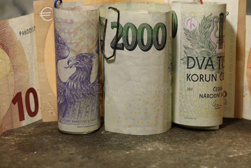 Tjeckiska pengar med euro för några sedlar royaltyfria bilder