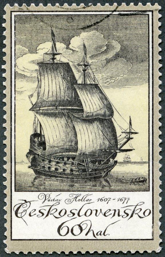 TJECKOSLOVAKIEN - 1976: visar gammal gravyr av skeppet av Vaclav Hollar 1607-1677, den tjeckiska etcheren, gamla gravyrer för ser royaltyfri bild