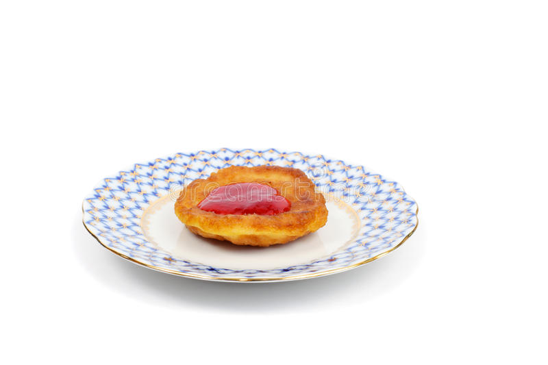 Tjock pannkaka med vinbärdriftstoppet arkivfoton