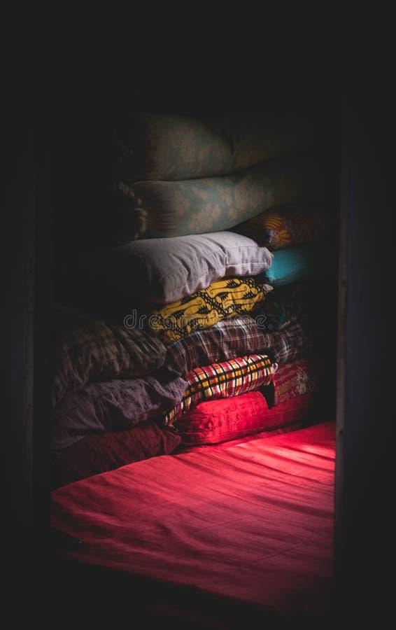 Tkaniny wypiętrzać up w pokoju obrazy royalty free
