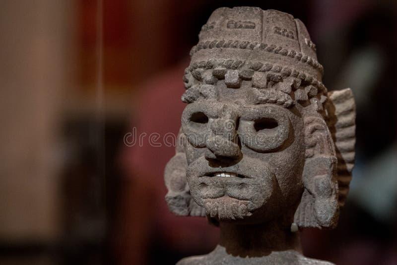 Tlaloc o deus mexicano do detalhe da estátua da chuva imagem de stock