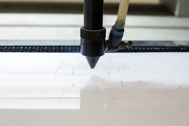 Tnąca maszyna rzeźbi wzory zdjęcie royalty free