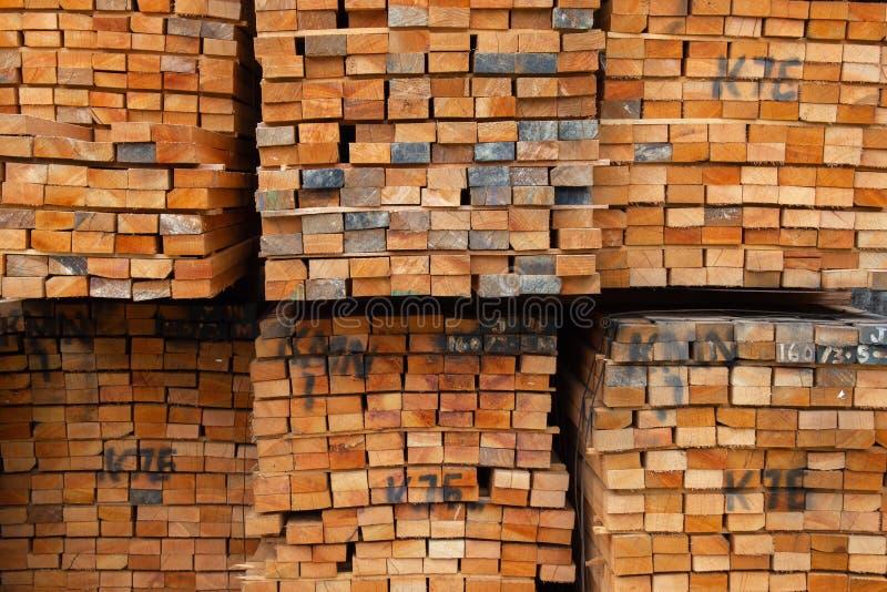 Tnąca sekcja drewniane deski dla use lub bele zdjęcie stock