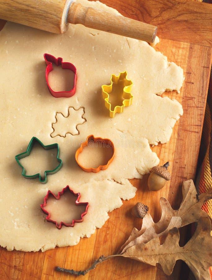 Tnący ciastka ciasto domowej roboty dla Halloween i dziękczynienia zdjęcia royalty free