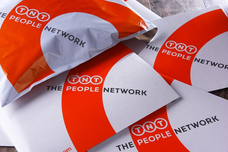 TNT Wyrażają koperty i pakuneczki obrazy stock