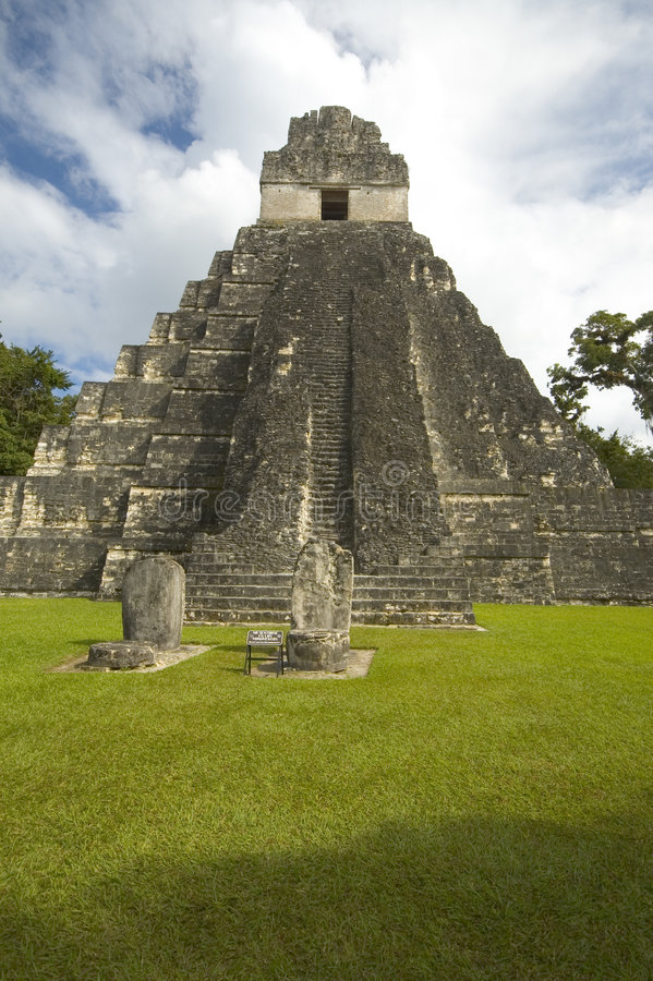 to świątynia tikal zdjęcie royalty free