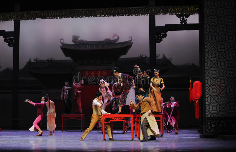 To attend the wedding guests-The first act of dance drama-Shawan events of the past. Guangdong Shawan Town is the hometown of ballet music, the past focuses on stock photography