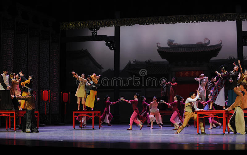 To attend the wedding guests-The first act of dance drama-Shawan events of the past. Guangdong Shawan Town is the hometown of ballet music, the past focuses on stock photos