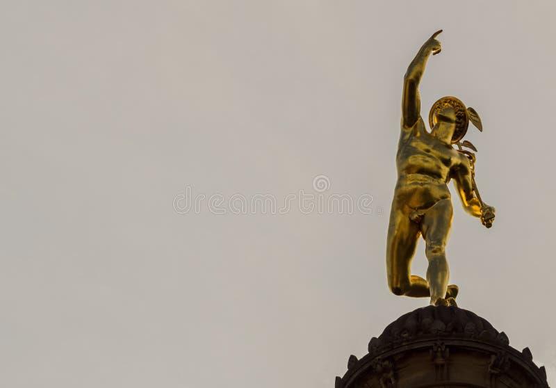 To jest rtęć filaru statua na Schlossplatz zdjęcia royalty free