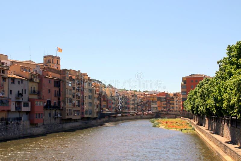 To jest szeroki k?ta widok rzeka w Girona, Hiszpania obrazy stock