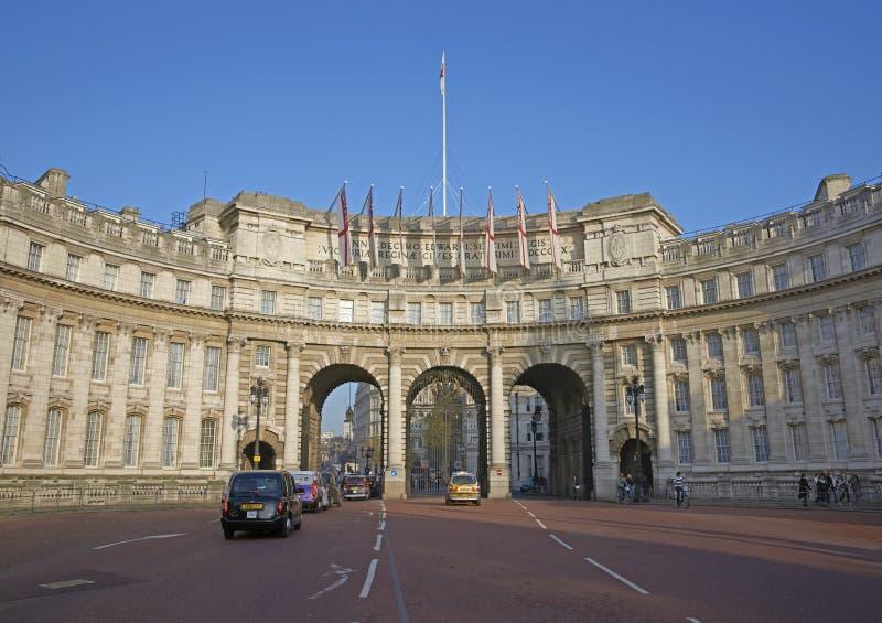 Download To Trafalgar Square editorial image. Image of building - 27893565