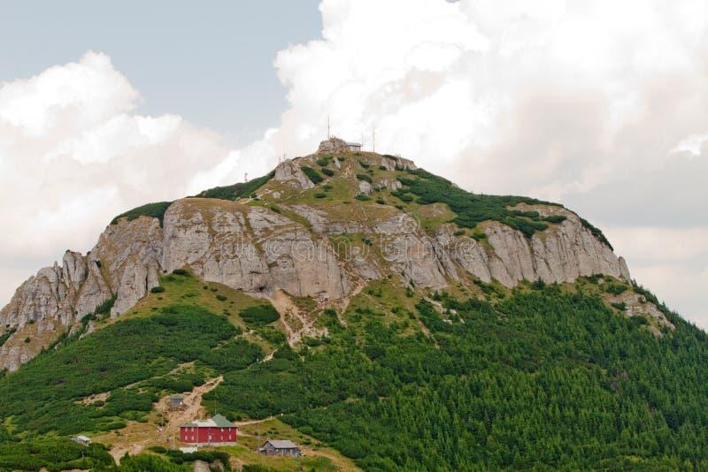 Toaca Пик (высота), CeahlÄu m 1904 m стоковое фото rf