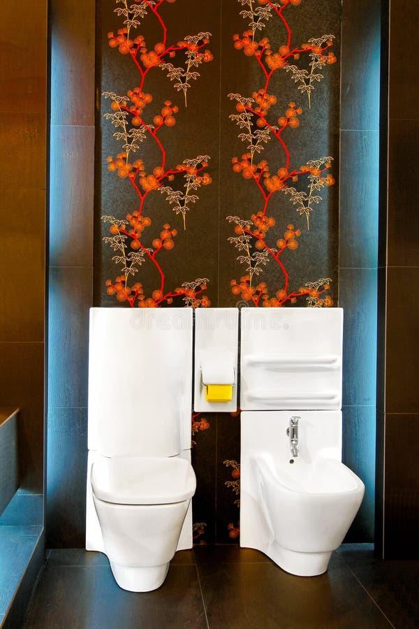 Toalete de incandescência fotografia de stock